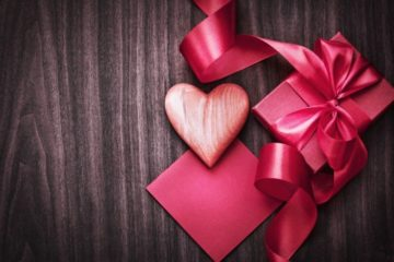 Какой необычный и оригинальный подарок можно подарить мужчине учителю и учительнице на День Рождения от ученика и от класса? Подарок учителю на День Рождения своими руками