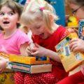 Подарки на Новый год 2019 детям в детский сад: идеи что можно подарить