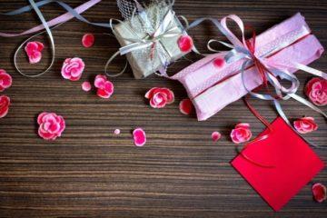 Как красиво упаковать подарок ткань