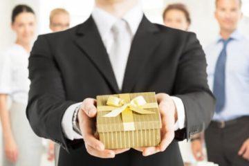 Что подарить коллеге женщине на день рождения