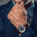 Как выбрать мужские наручные часы в подарок