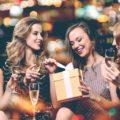 Что можно подарить подруге 60 вариантов подарков - Мир женщины - медиаплатформа МирТесен