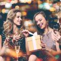 ТОП 108 идей Что подарить Подруге на День Рождения   ещё 54 подарка