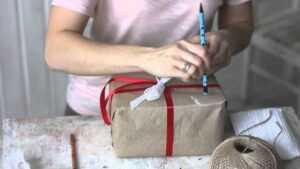 Подарок на день рождения своими руками (200 фото) - обзор лучших вариантов   инструкция для начинающих и детей