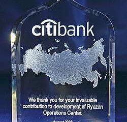 Награды из стекла и призы из стекла с лазерной графикой. Бизнес сувениры и корпоративные подарки.