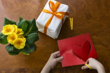 Выбираем подарок творческому человеку: советы и идеи | Что и как дарить - энциклопедия Идеи подарков