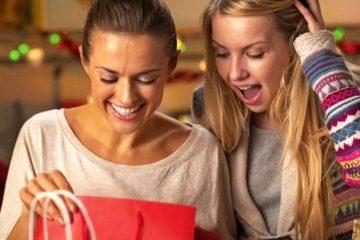 65 недорогих подарков девушке без повода - оригинальные идеи