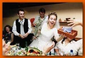 Что подарить на годовщину свадьбы: какой подарок можно сделать на свадебный юбилей, лучшие идеи для молодых пар
