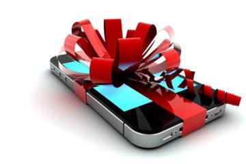 Как оригинально подарить телефон: выбираем телефон в подарок родным и близким