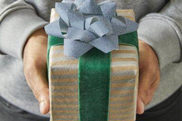 ТОП классных подарков мальчику на 14 лет на день рождения - Что подарить? Помощник в выборе подарков знает!