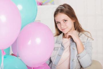 Что подарить девочке на 14 лет на день рождения - список подарков и идеи для девушки