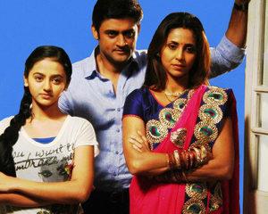 """Сериал """"Жизнь полна сюрпризов"""" (""""Khelti Hai Zindagi"""") Жизнь полна сюрпризов - смотреть онлайн бесплатно и легально на MEGOGO.NET"""