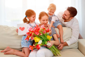 Мега 149  идей Что подарить Маме (в Примерах) и Ещё варианты