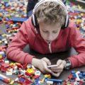 Что подарить мальчику на 8-9 лет: 60 идей