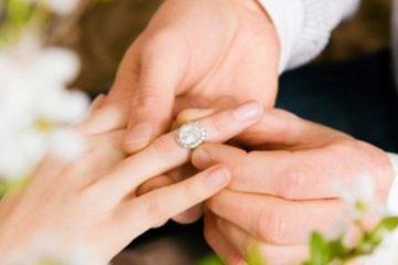 Подарок на помолвку - идеи подарков жениху и невесте от родителей, друзей и родственников
